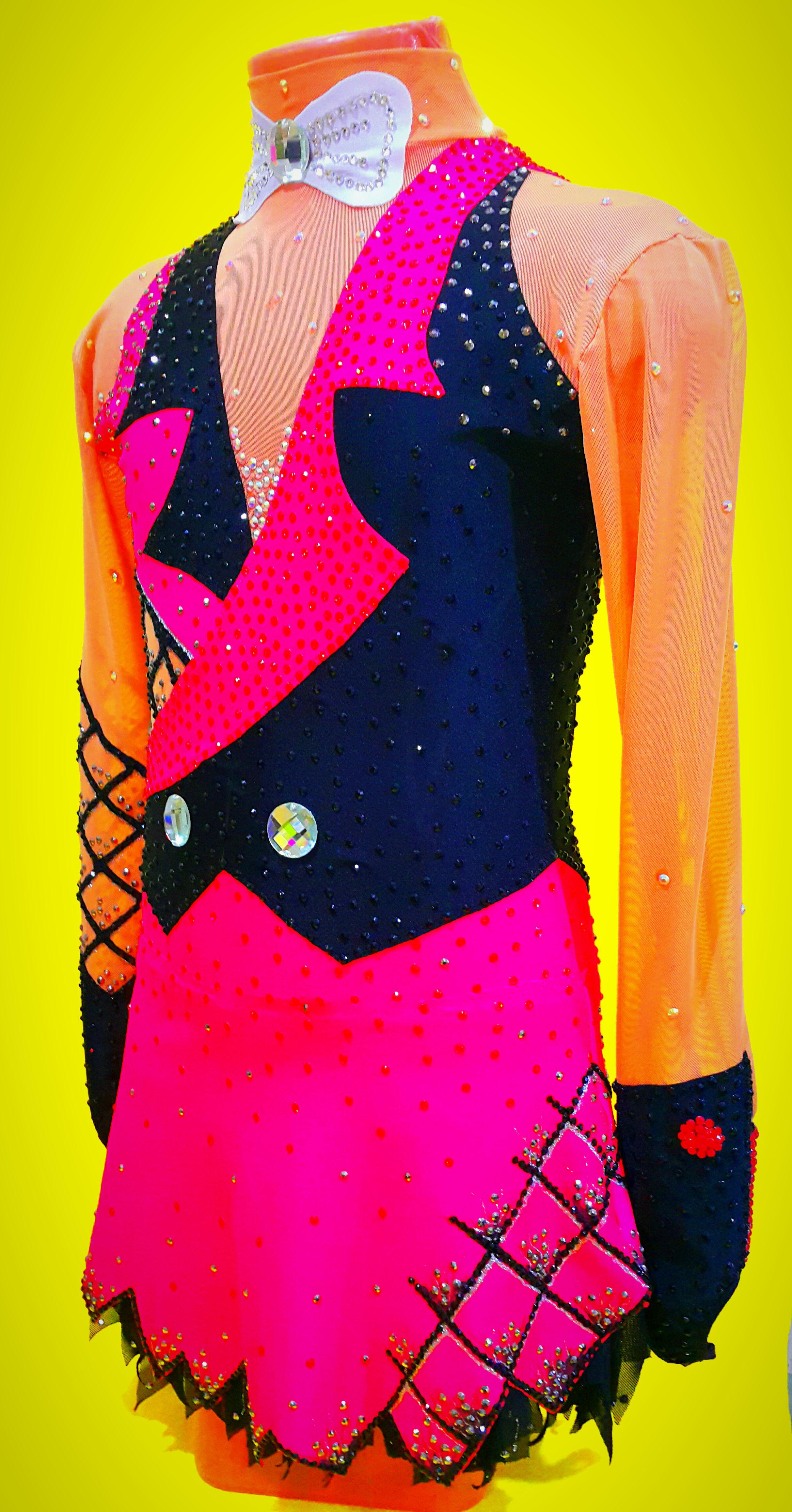 катание фигурное платье