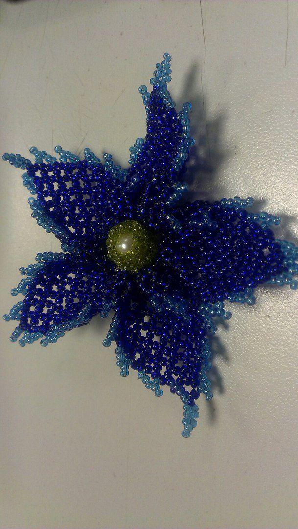 бисер работа ручная брошь украшение цветы бижутерия