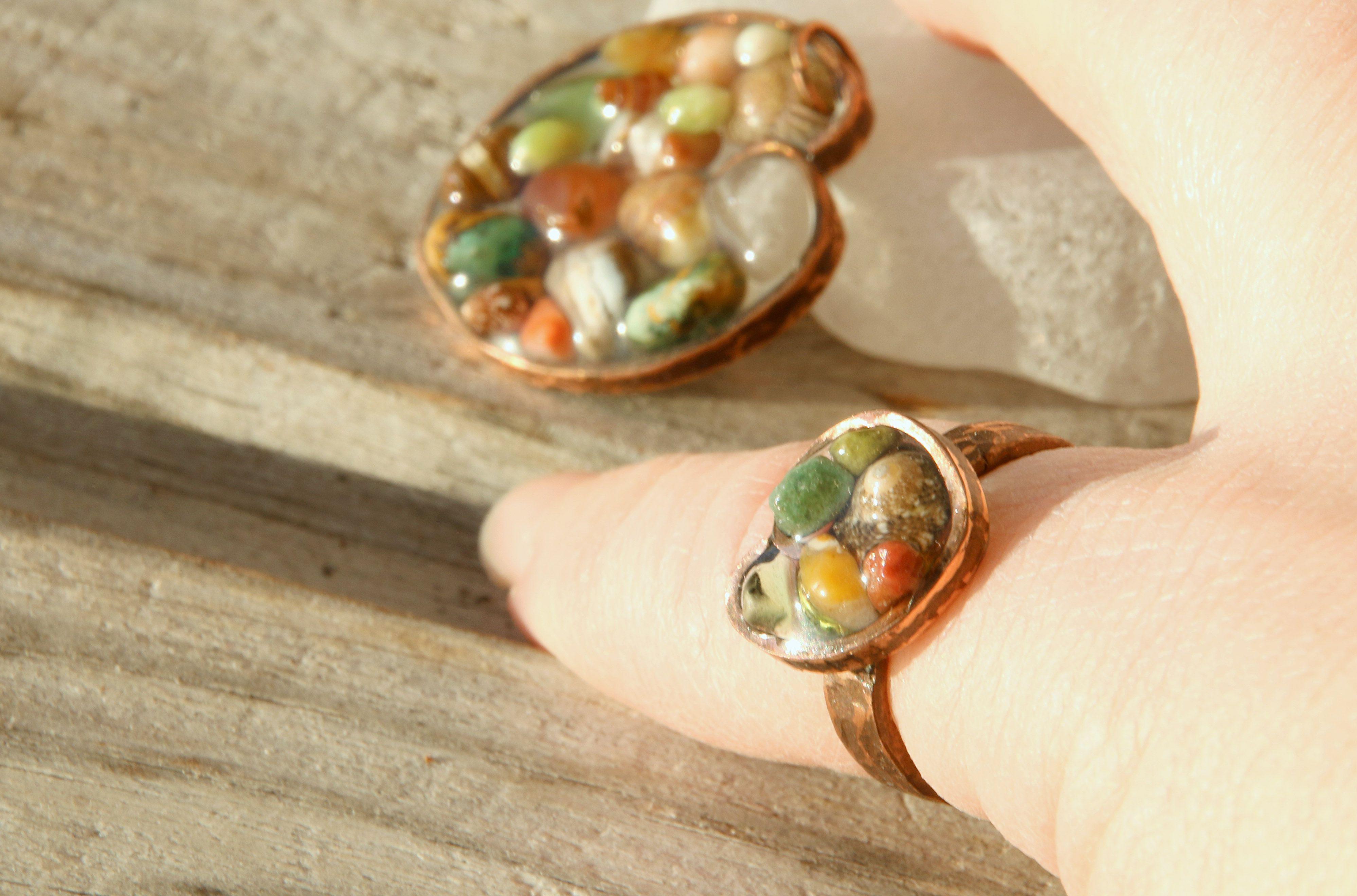 песок галька цветной украшения авторские кольцо морской сердечко натуральные комплект медный прозрачный кулон берег