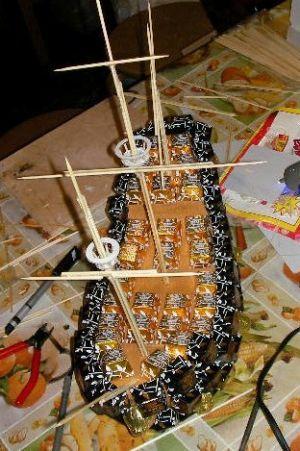 Корабль из конфет мастер класс 21