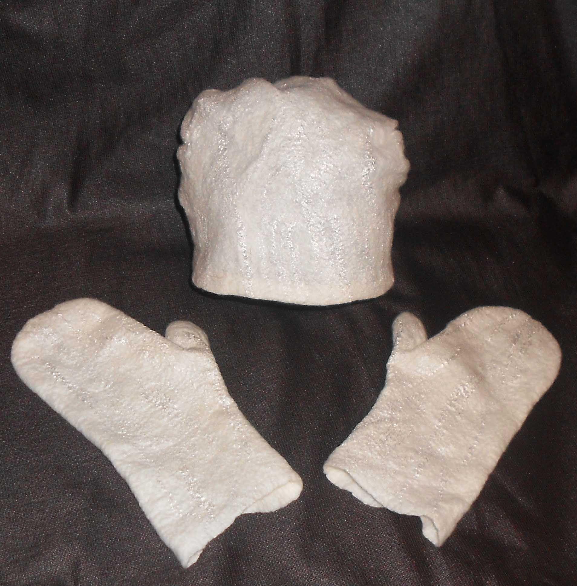 handmade комплект белый валяные варежки аксессуары шапка шерсть подарок