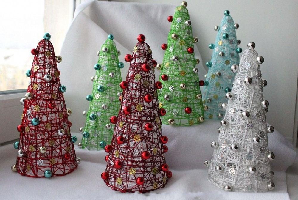 подарок мастеркласс хендмейд поделки нитки сделайсам идея креатив фантазия новогоднийдекор подароксвоимируками клейинитки зимнийдекор елочки