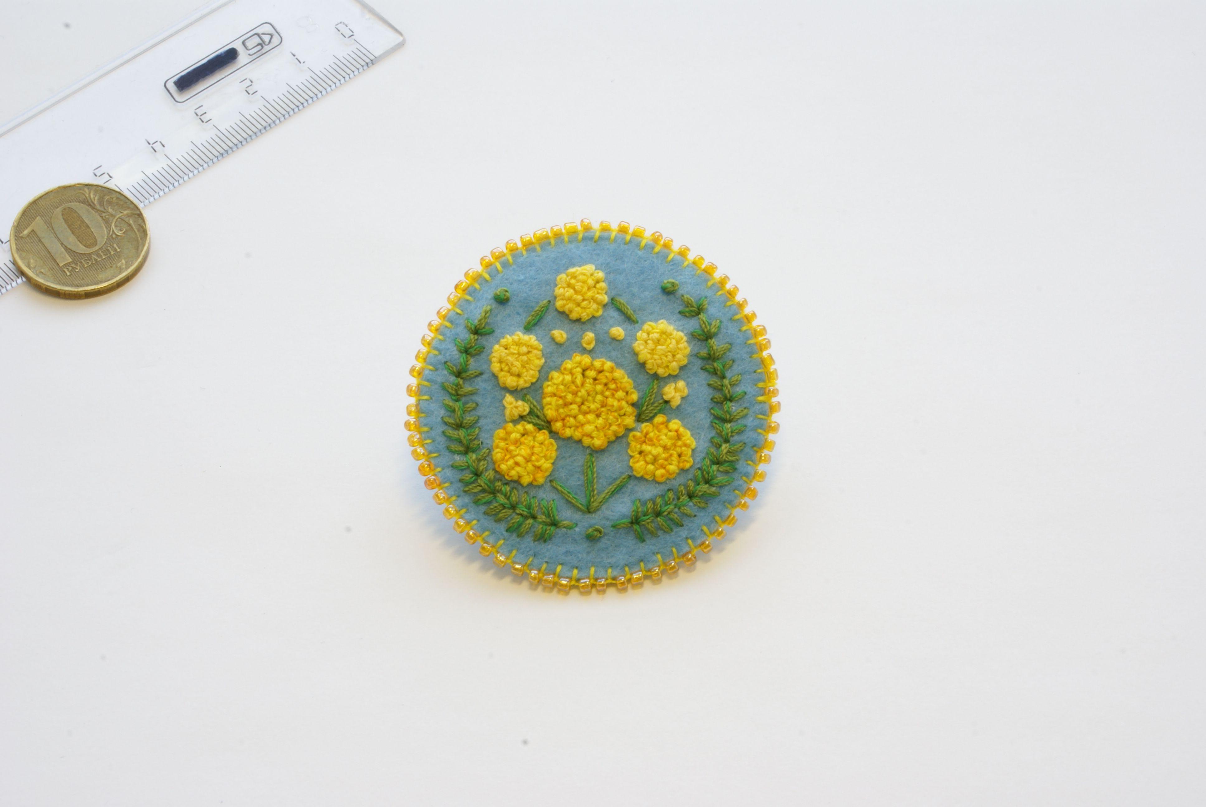 вышивка брошь мимоза брошка украшение бисер ручнаяработа фетр