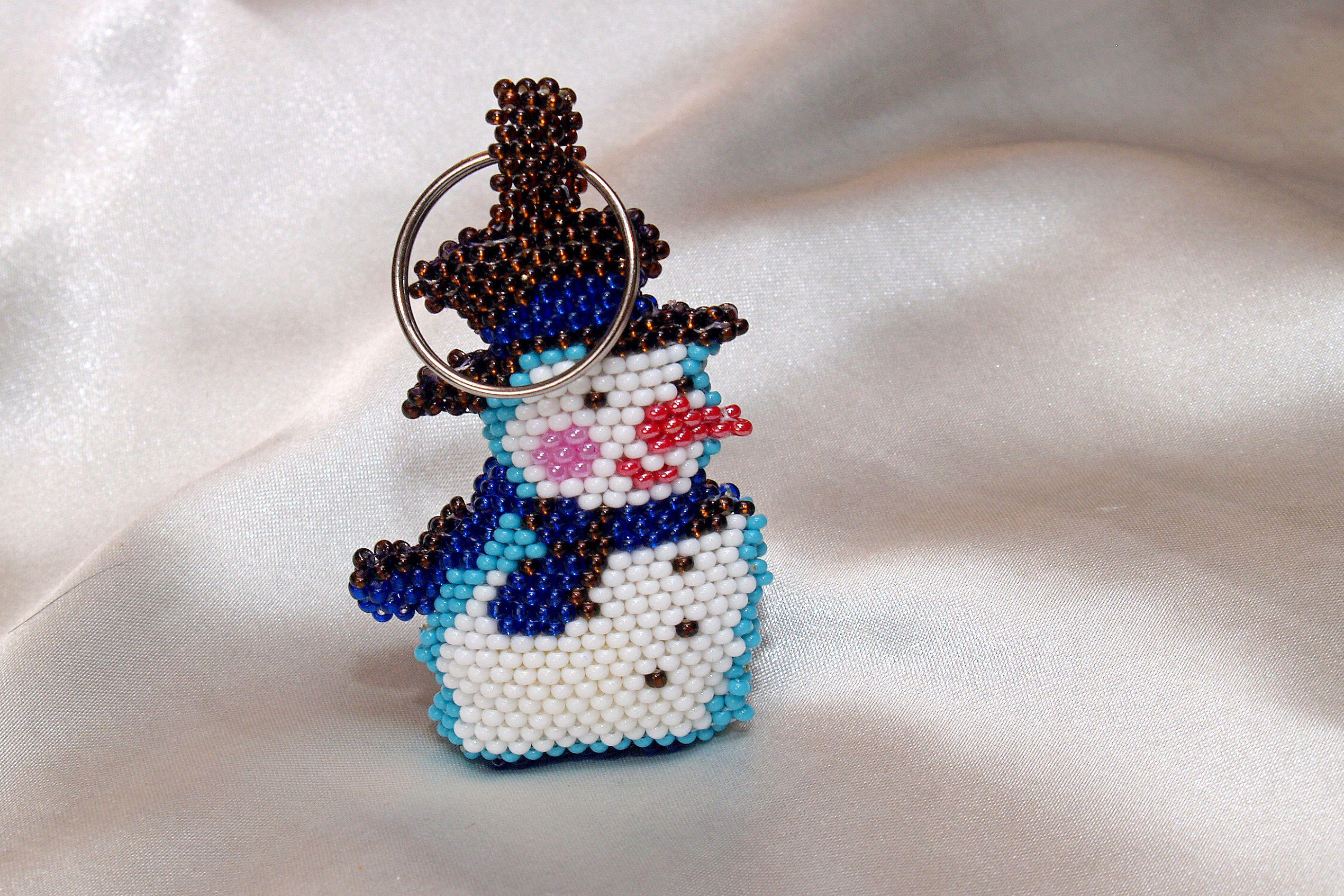 бижутерия подарок ключи аксессуар наключи новогоднеенастроение скороновыйгод 2017 брелок новыйгод снеговик на символ бисер ручнаяработа