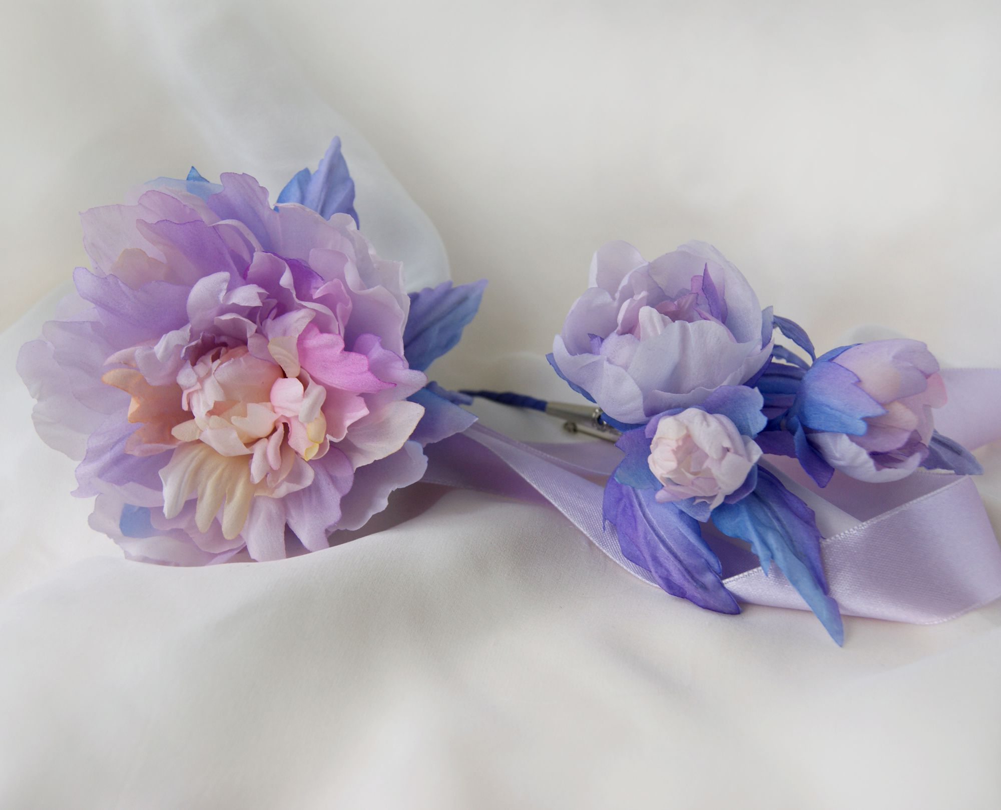аксессуарынасвадьбу браслет свадьба цветыизшелка пион бутоньерка невеста