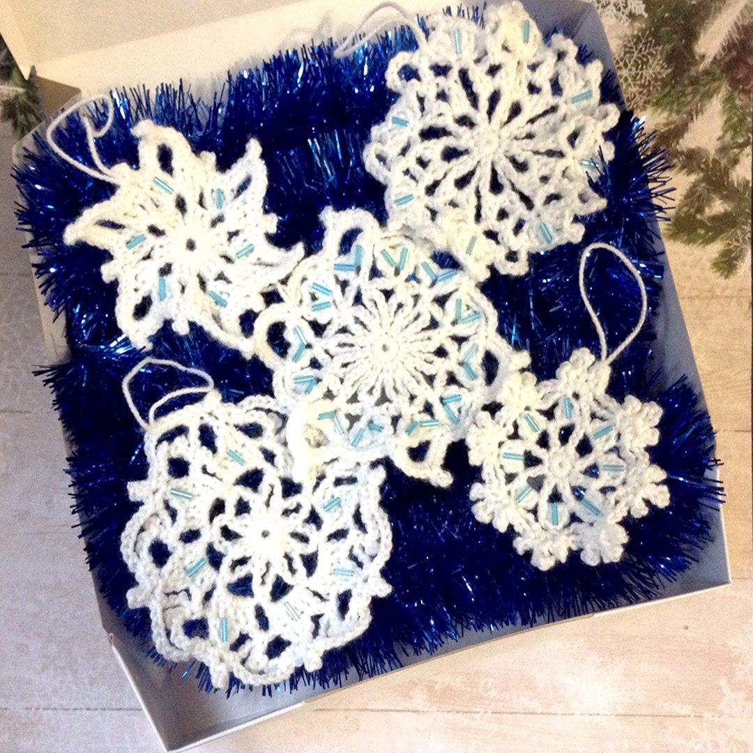игрушки бисер ёлка новыйгод праздник вязаное снежинки подарок крючком