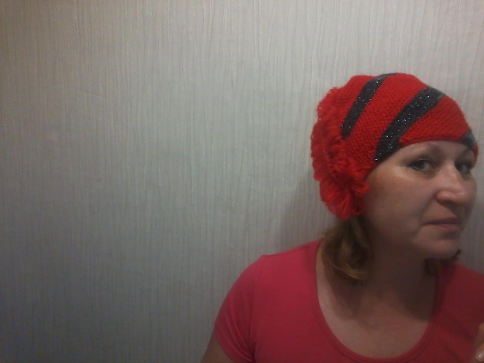 шапочка диагональ спицы взрослым вязание