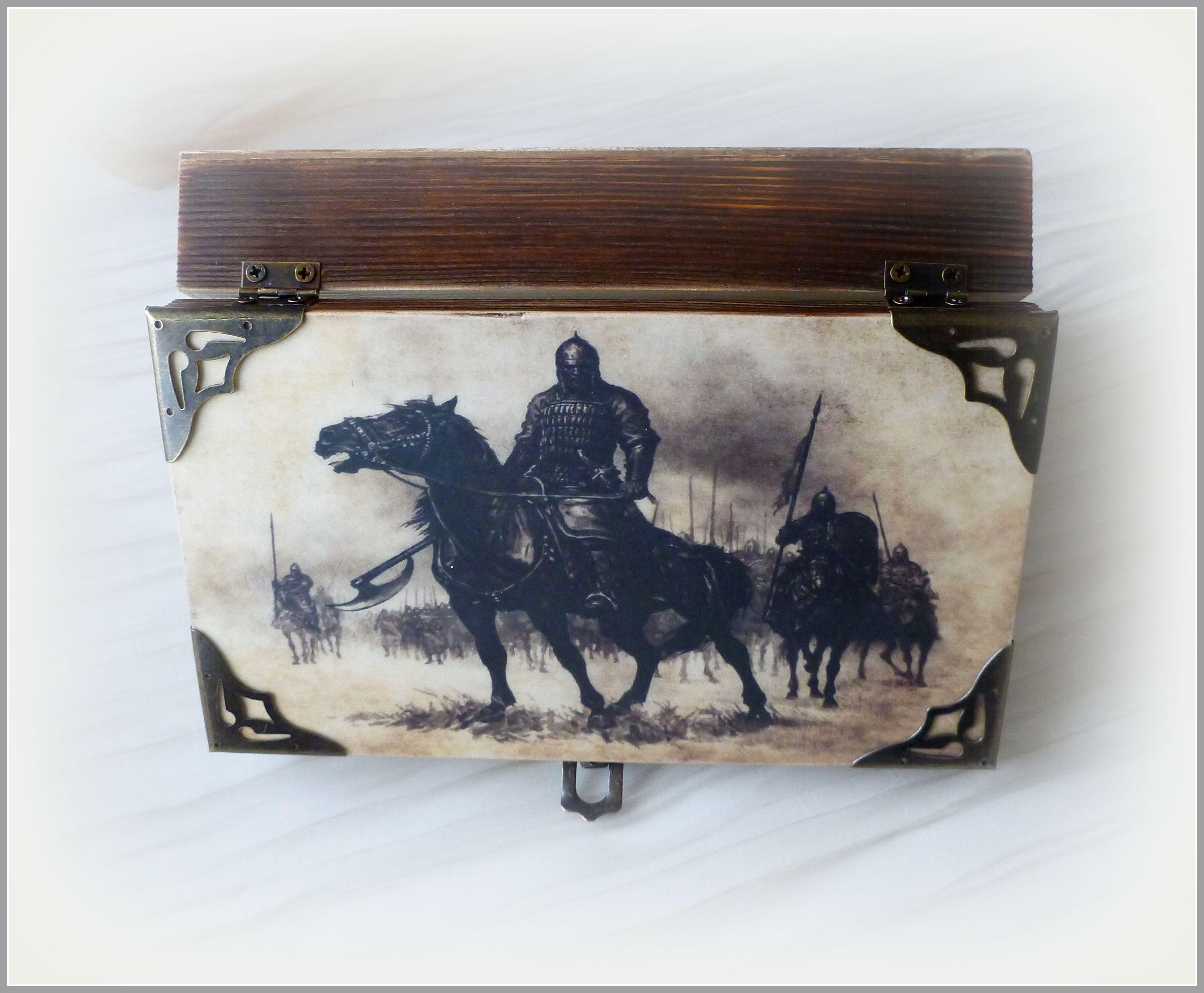 купюрница декупаж шкатулка мужчине коробка купюрницадекупаж дляденег дляденежногоподарка купюрницакупить подарокврачу брутальный богатырь всадник воин рыцарь деревянная мужской коричневый