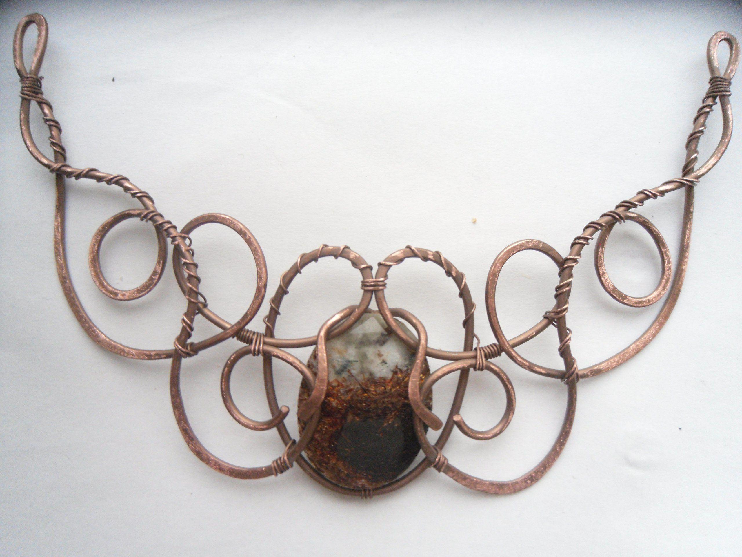 колье wirewrap медь астрофиллит