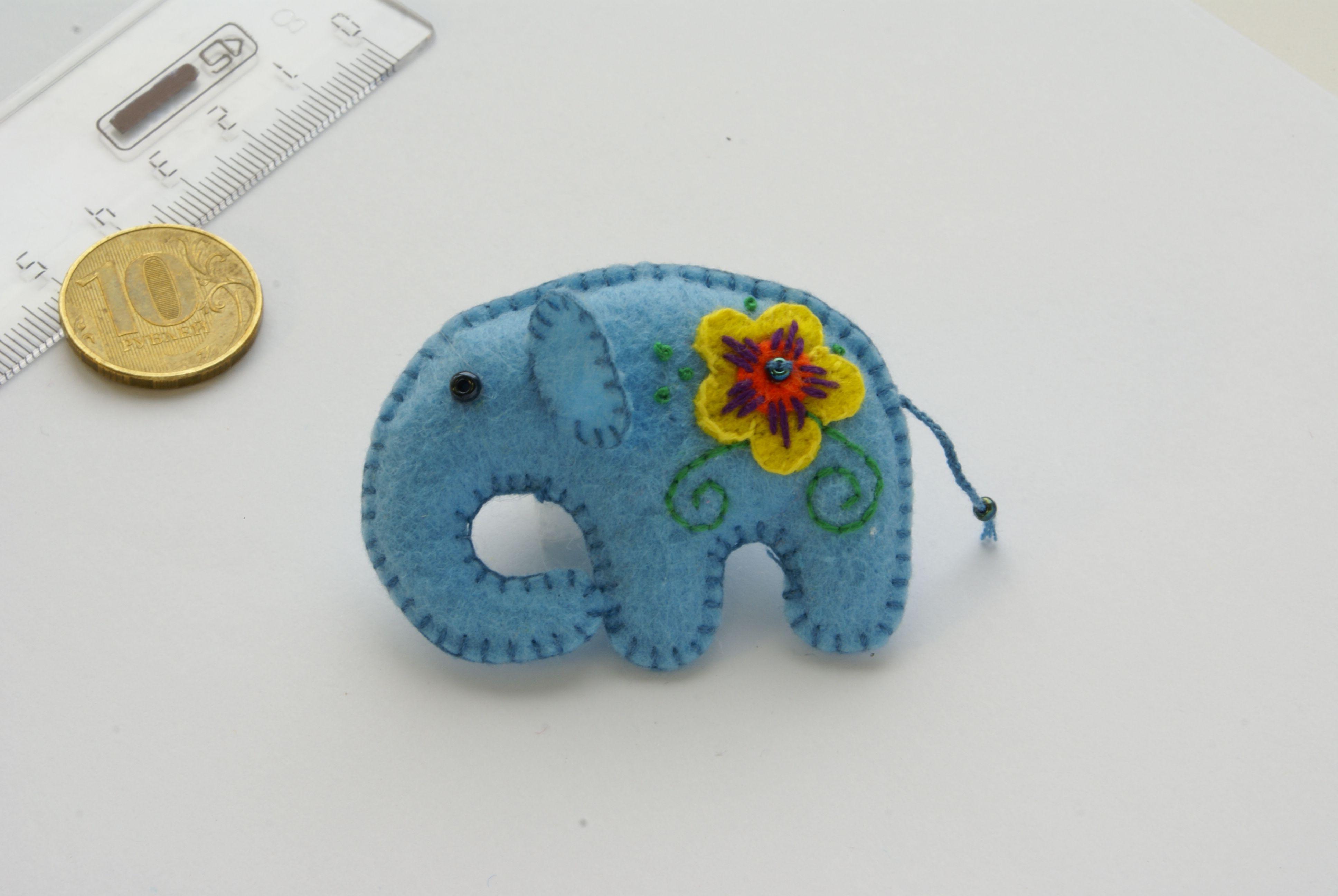 ручнаяработа слоник брошь украшение вышивка фетр брошка