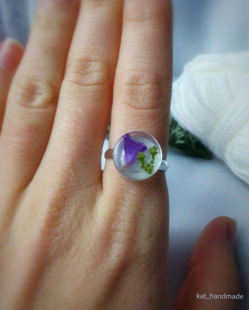эпоксиднаясмола гербарий украшенияизсухоцветов украшенияизцветов кольцоручнойработы кольцоизпоксиднойсмолы бижутерияручнойработы украшения ручнаяработа подарок
