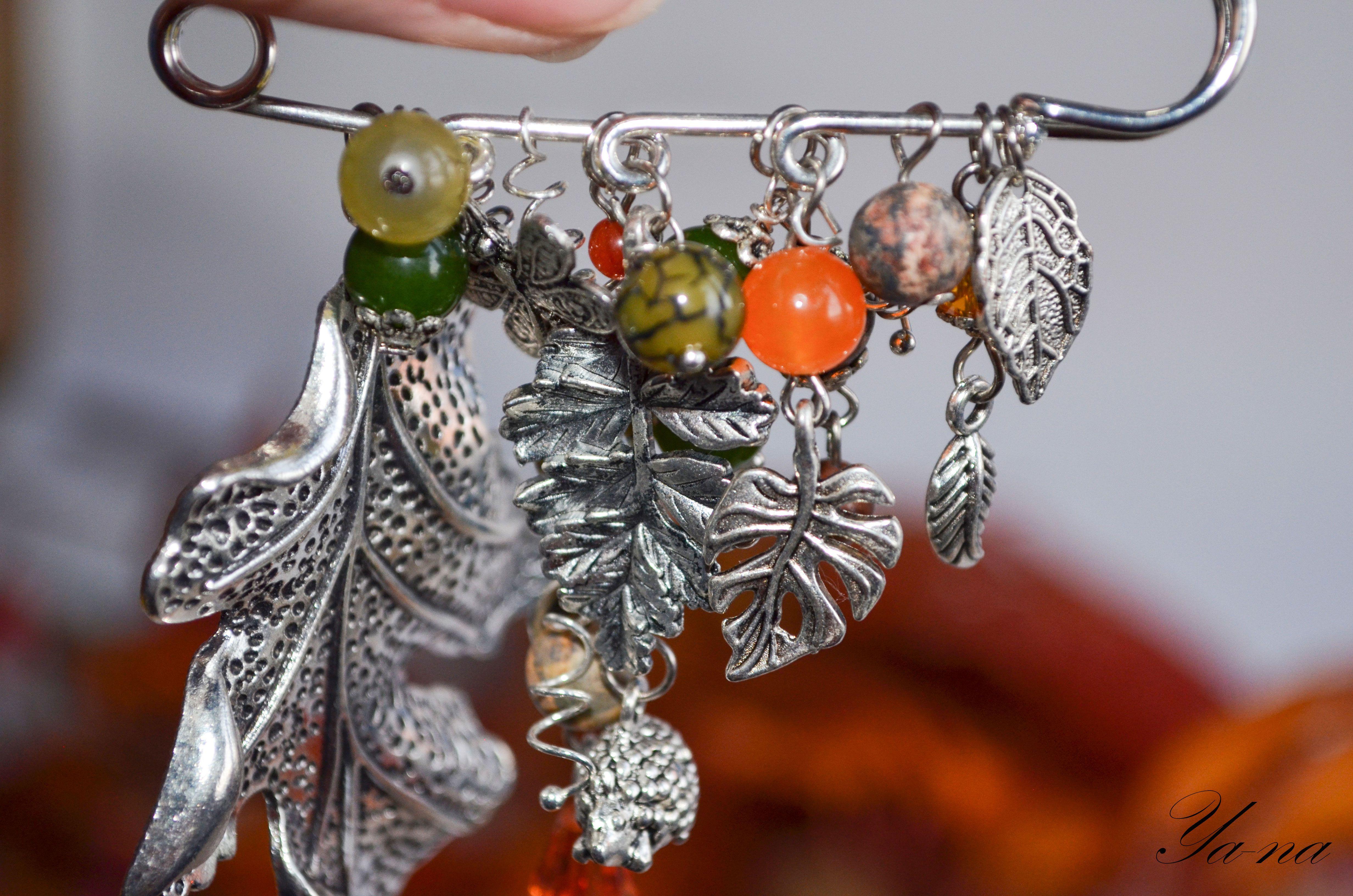 ручнаяработа брошьнапальто подарокдевушке украшение новосибирск брошьизбисера хэндмейд аксессуар брошьвподарок брошьдляшарфа брошьсбусинами купитьбулавку брошьслистьями бижутерия