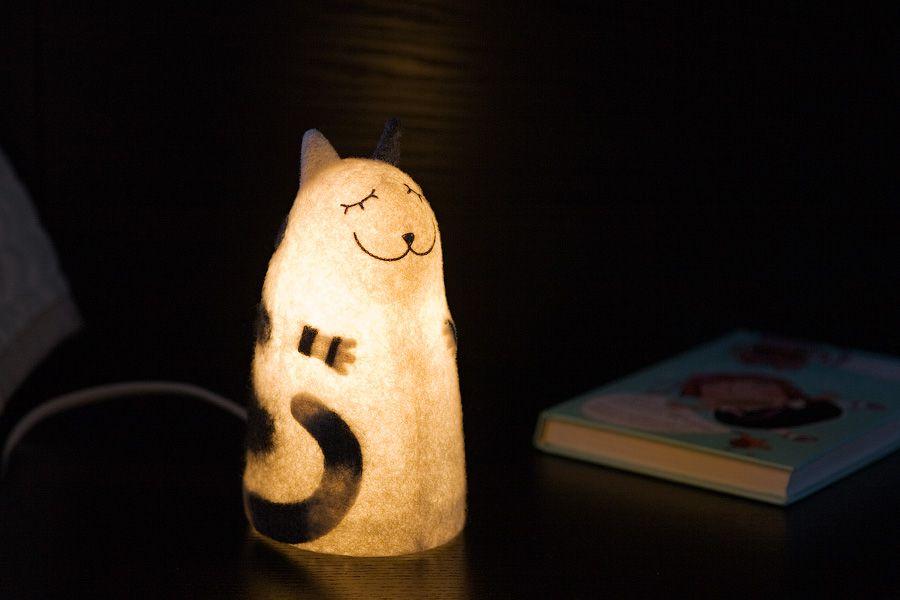войлок валяный ночник светильник кошка кот полосатый серо-белый