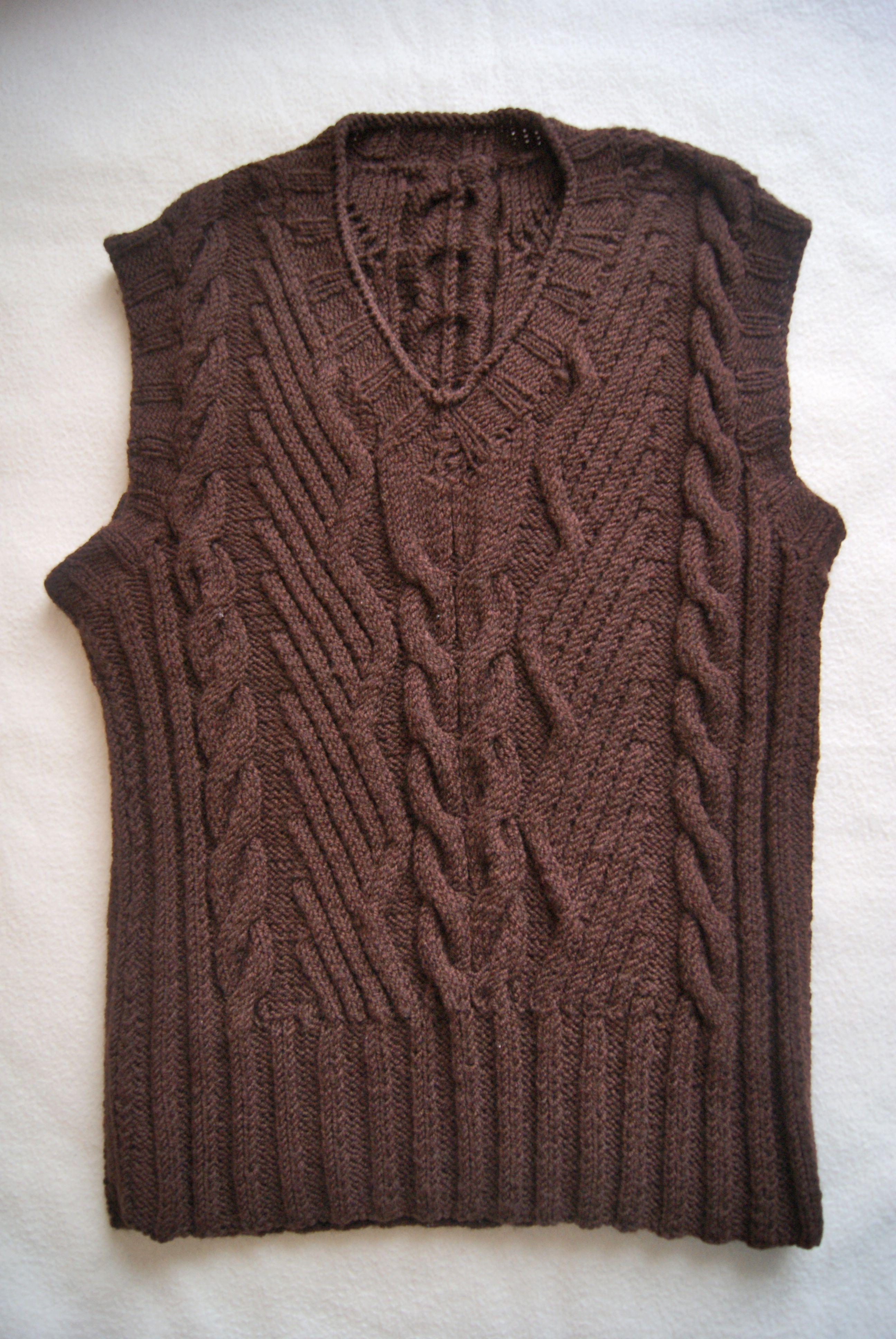 вязанаяодежда вязаниеназаказ женскаяодежда дляженщин мода вяжуназаказ вязание тепло жилетка стиль уют