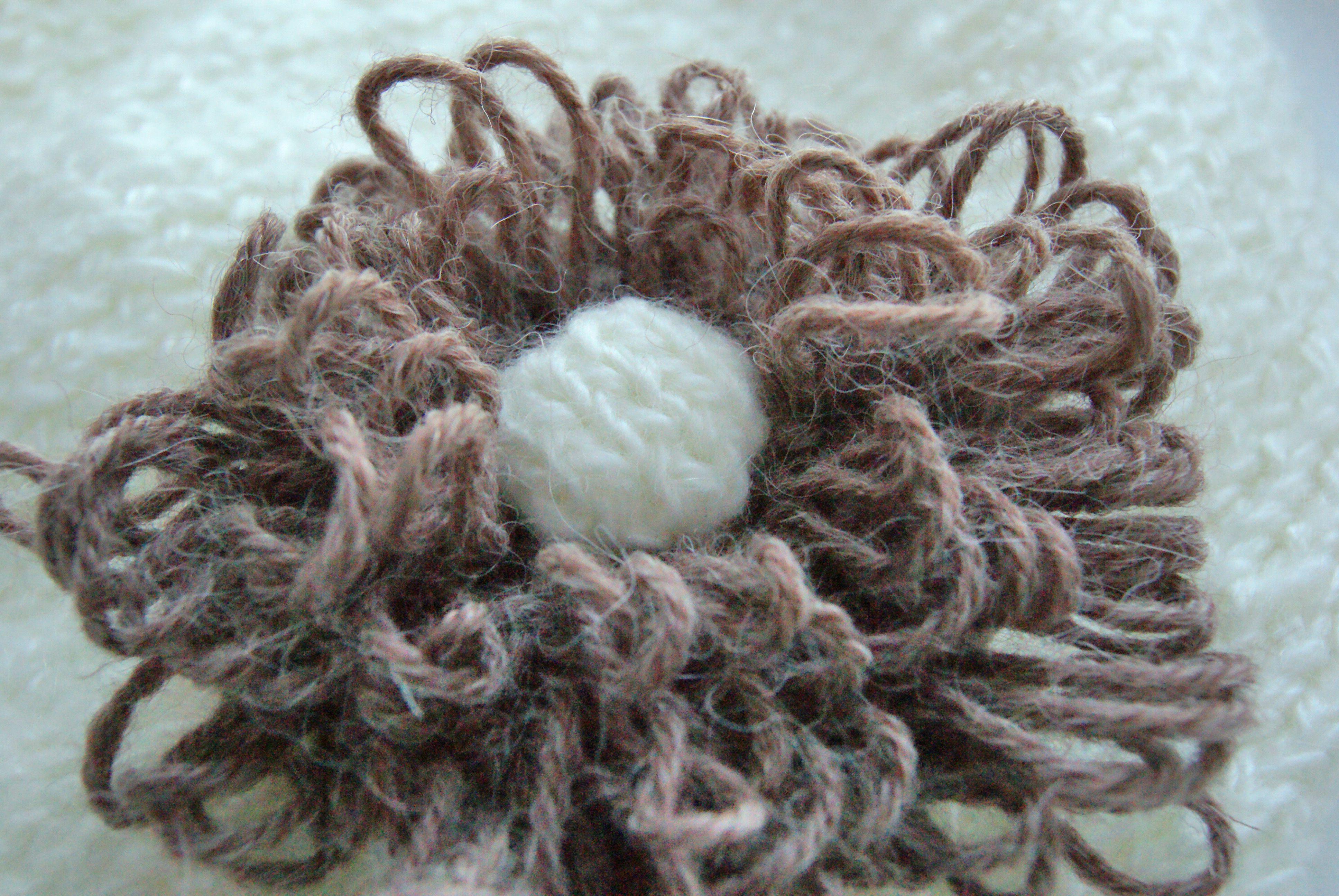 девочкам детскаяшапка вязанаяшапка женскаяшапка женщинам дляженщин уют цветок длядевочек тепло шапка вязание вяжуназаказ вяжутнетолькобабушки вязаниеназаказ