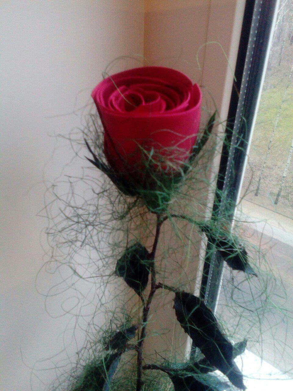 бордовый цветы шелковыеленты розы сизаль бежевый интерьер длядома зеленый