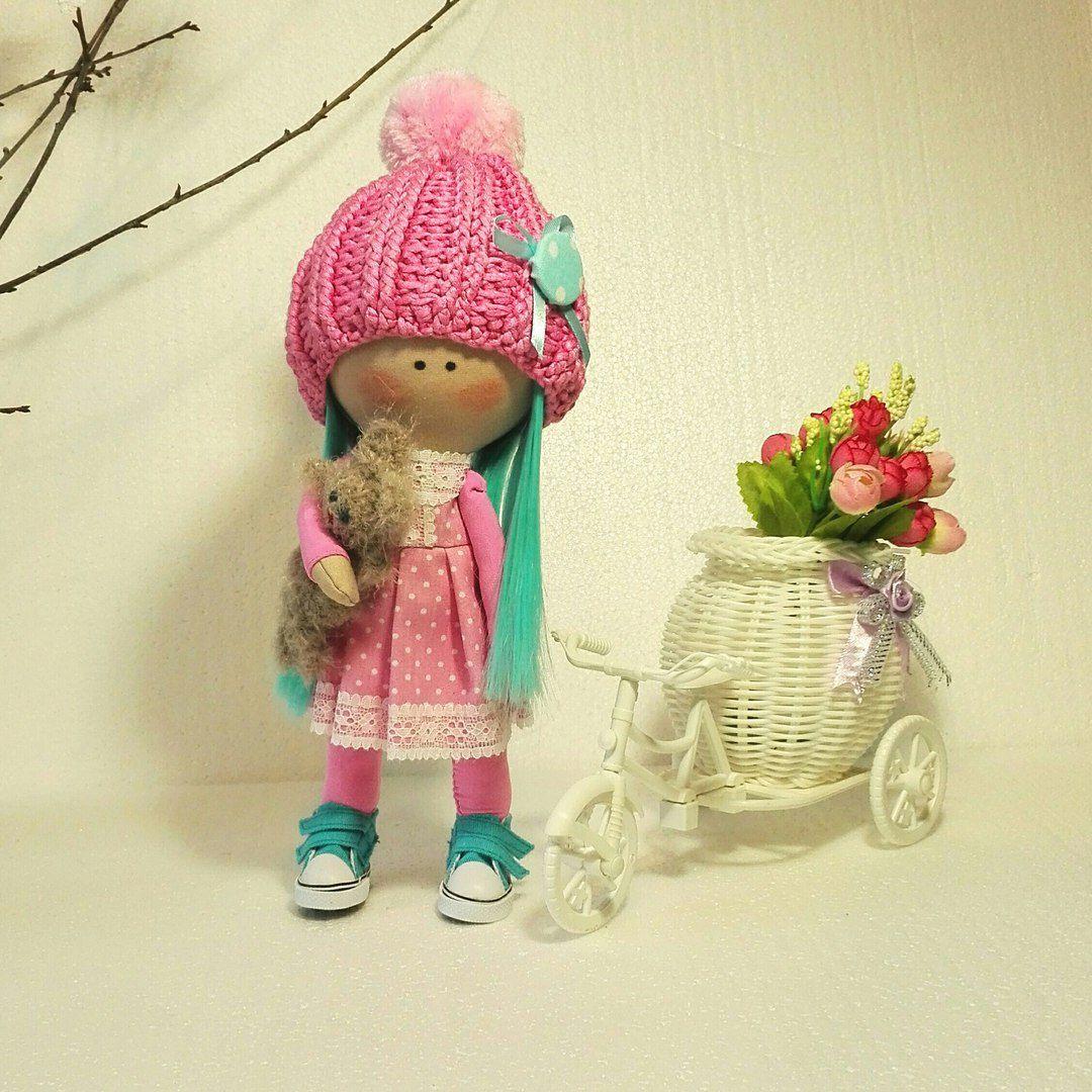 кукларучнойработы интерьернаякукла большеголовка иньерьер куклаврозовом кукласголубымиволосами куклавкедах голубыеволосы кукла