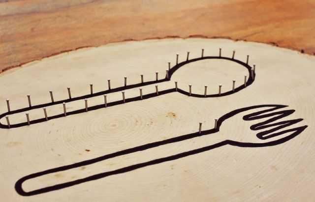 креативнаяидея панно сделайсам нитки кухня ложка хендмейд гвоздики вилка поделкаиздерева эко своимируками