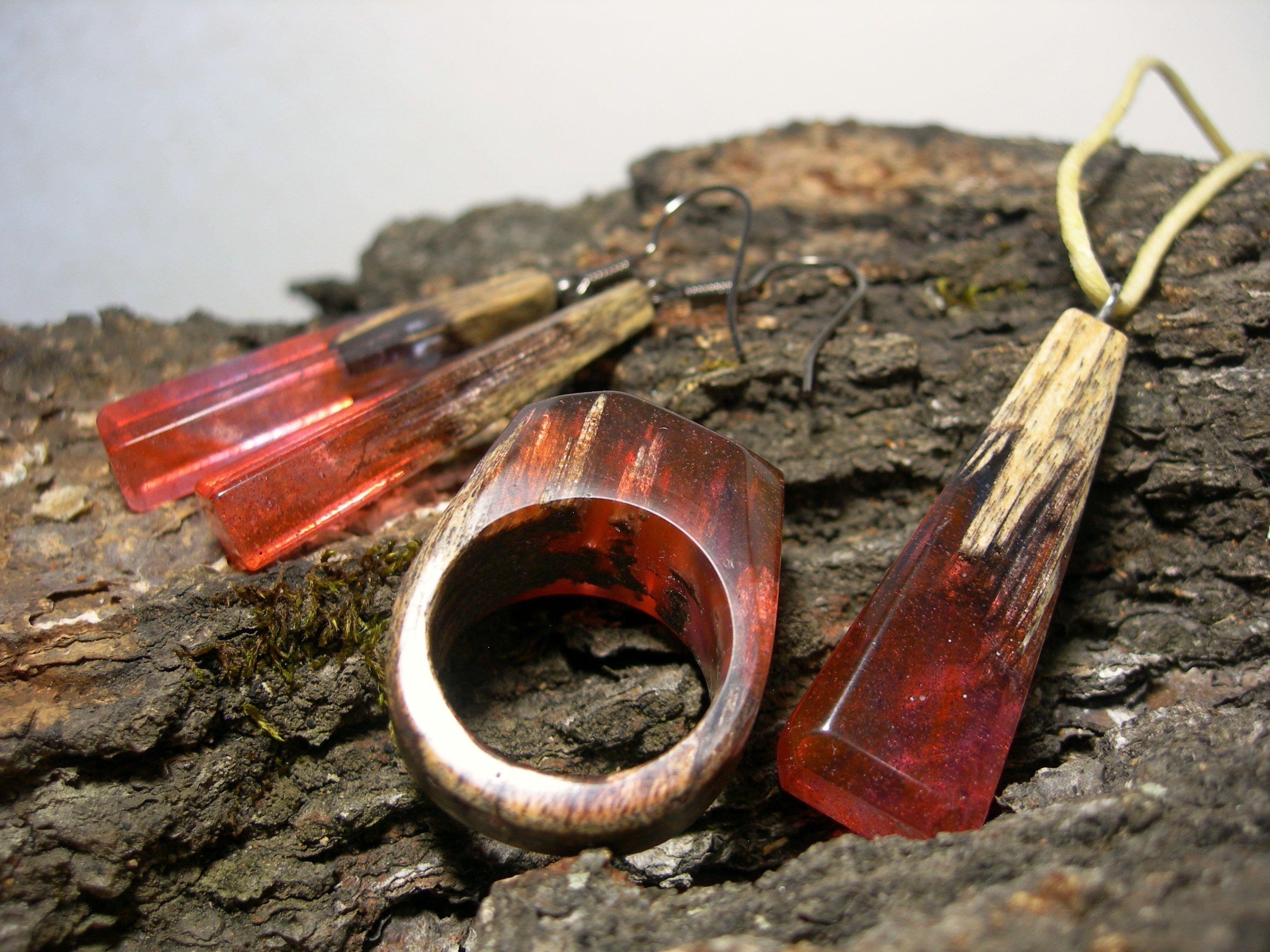 подарок эксклюзив ювелирнаясмола издерева кольцо