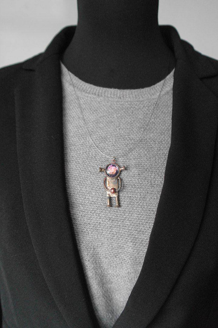 космос space robotnecklace robot necklace pendant oldrobot artefacto darkjewelry steampunkjewelry postapocalipse metall copper steampunk