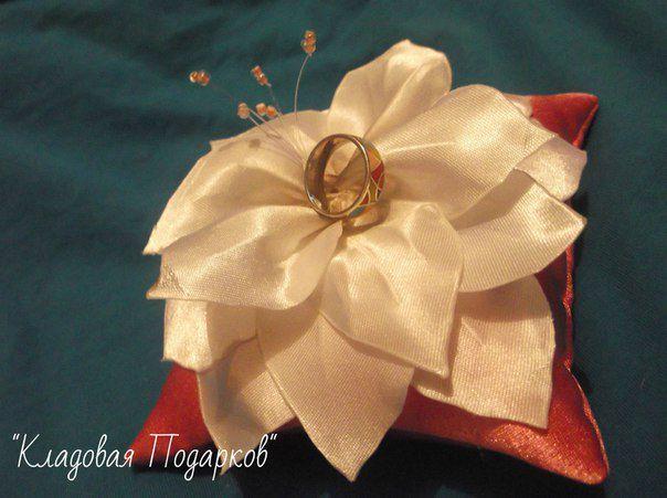 кольца подушечка свадьба