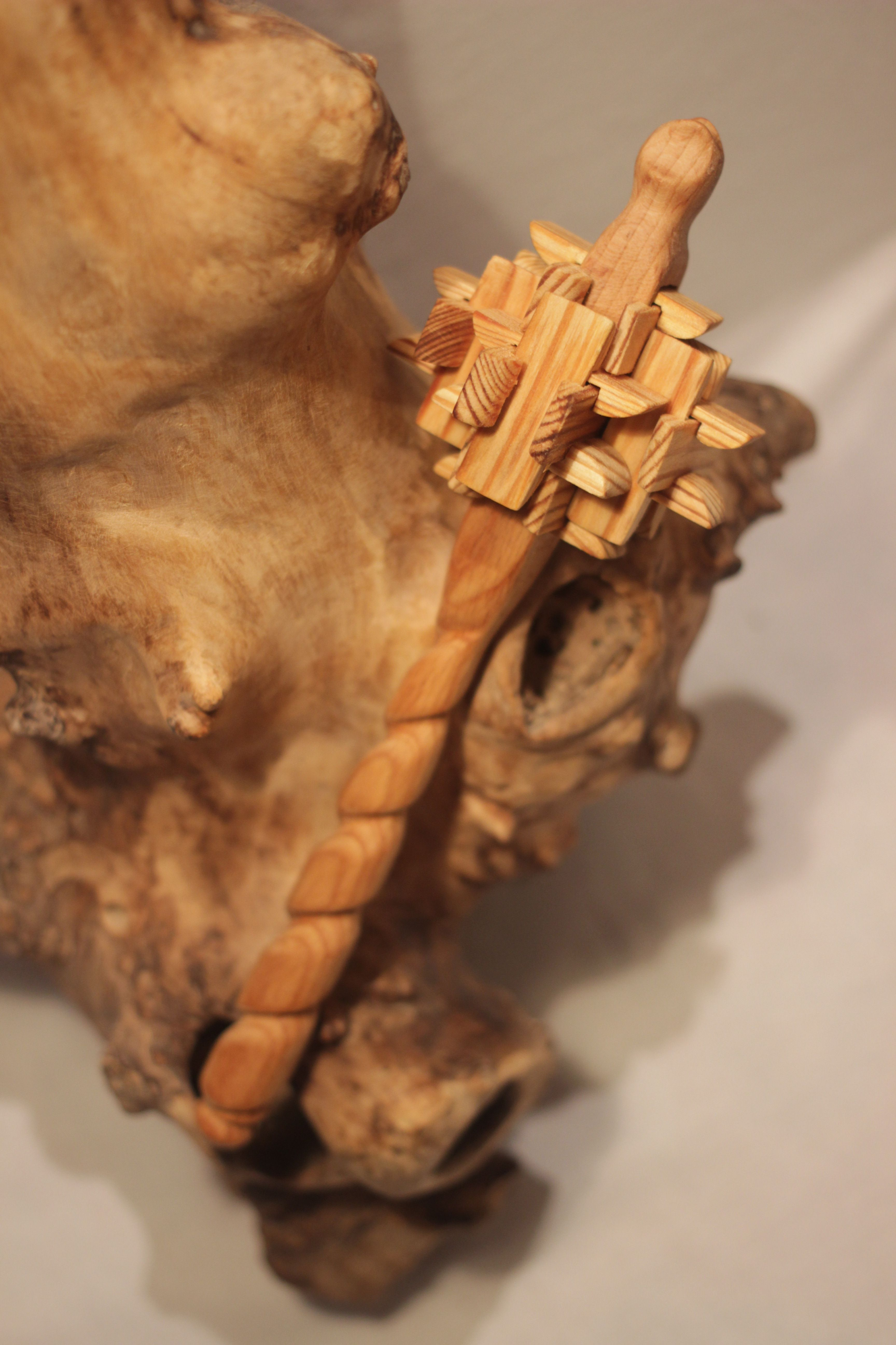 дерева работаподарок для по из ребёнкадля детейсувенирдереворезьба деревуручная ребёнкуподелки деревапогремушкадеревянная погремушкаизделия