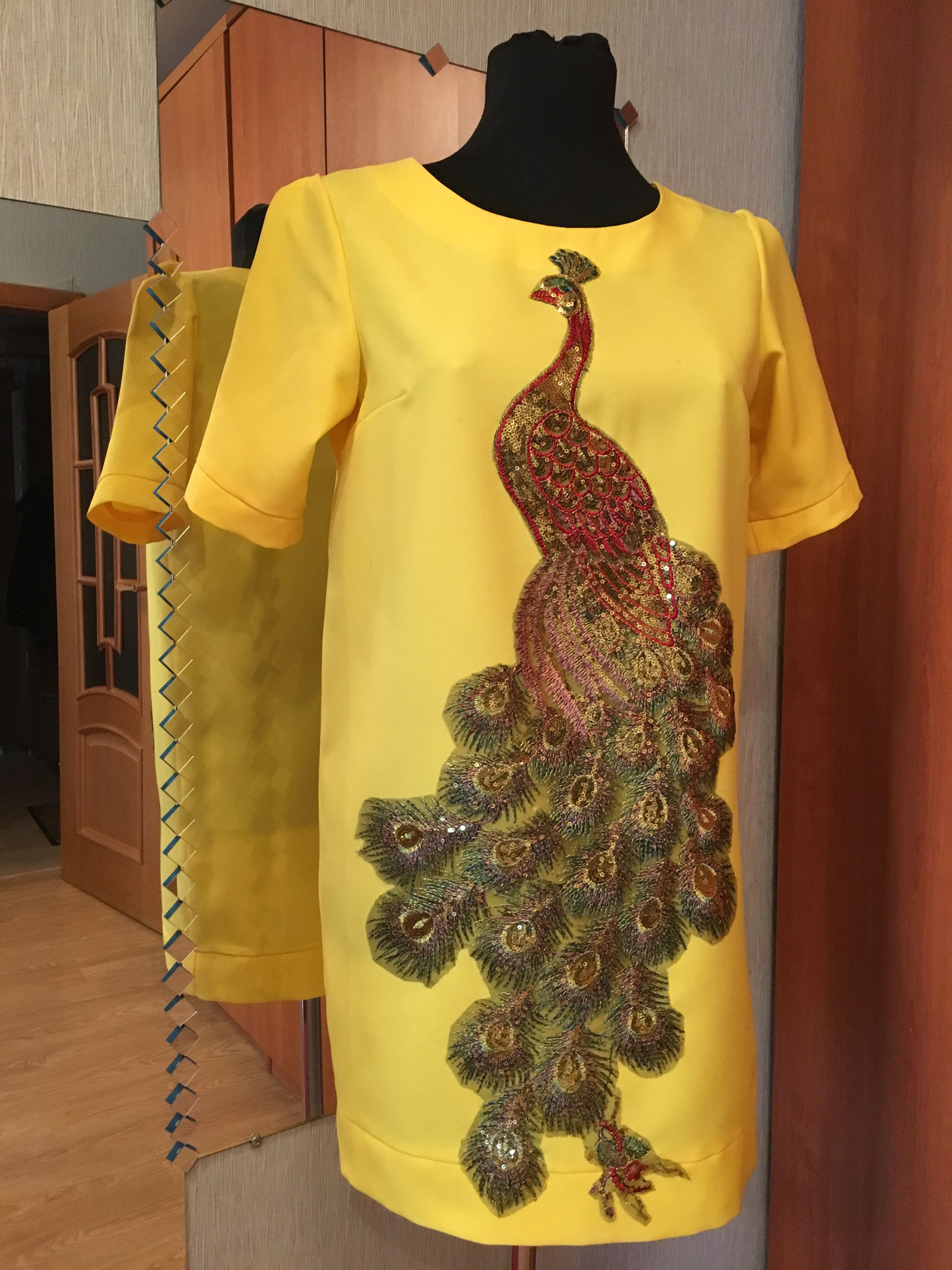 вышивка платье 2017 летнее красное красноеплатье павлин яркое стильное мода