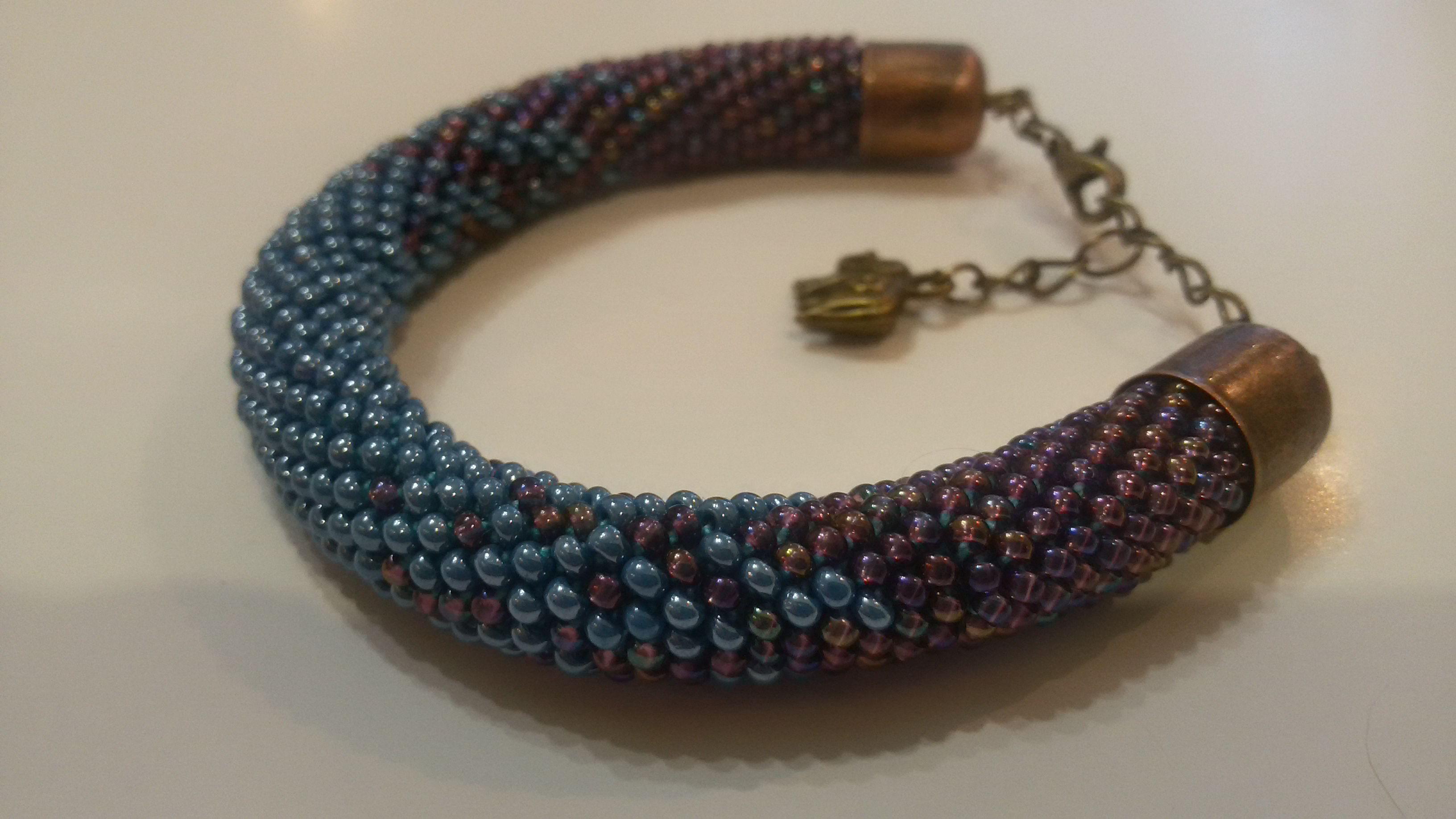 браслет бисер подарок разноцветный