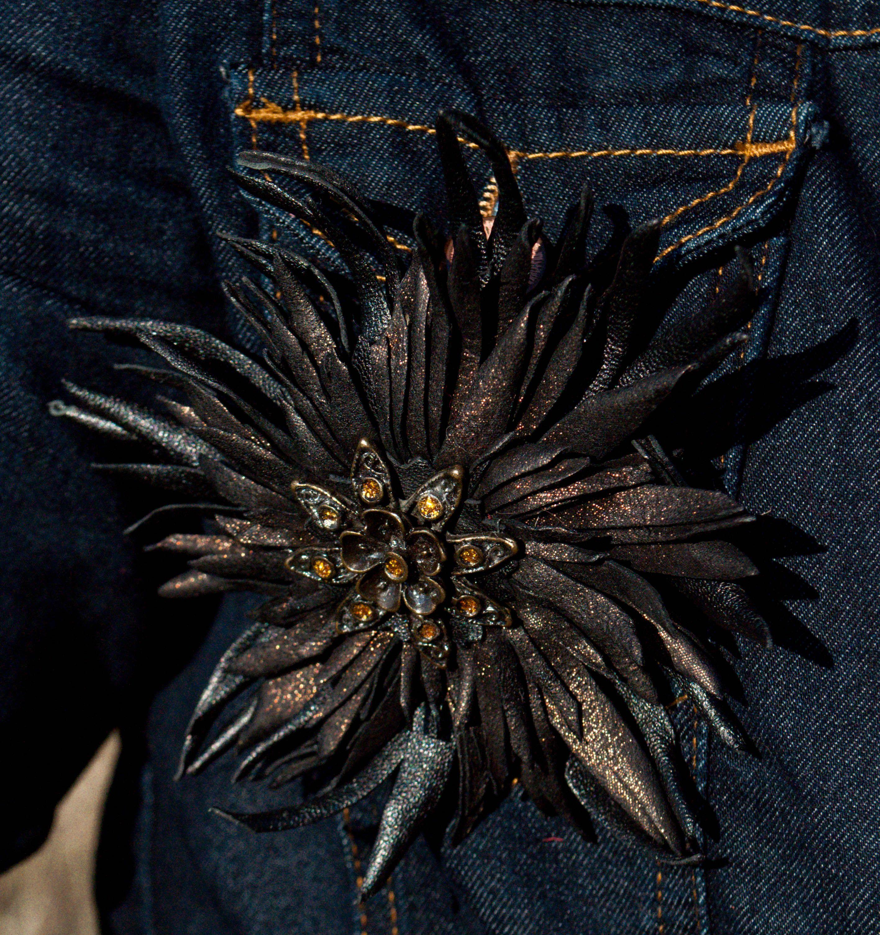 броши яркие аксессуары креативные стильные кожаные цветы