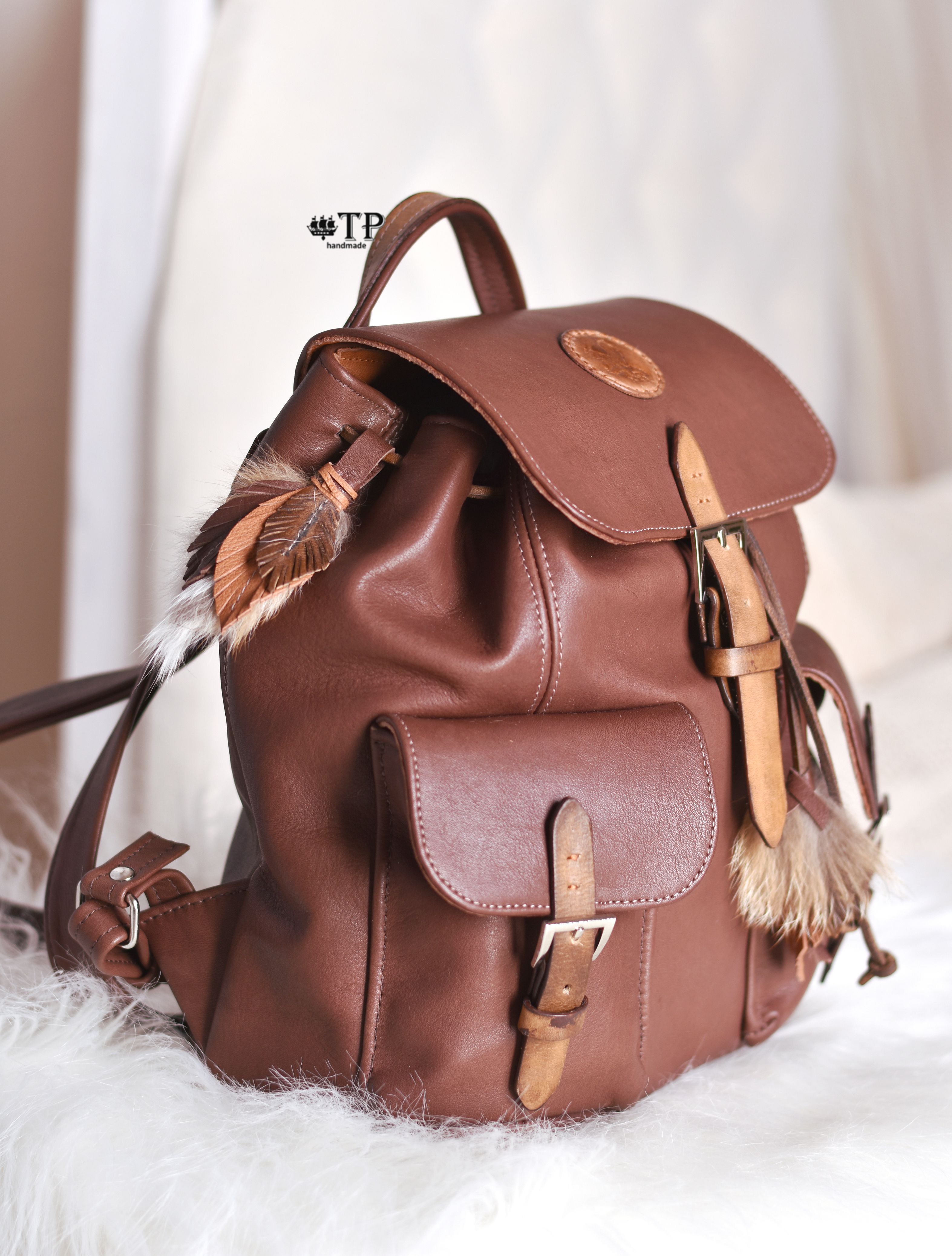 женский рюкзак коричневый кожа