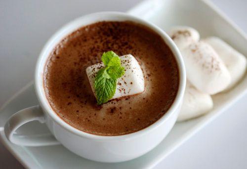 рецепт горячийшоколад рецептгорячегошоколада шоколадныйнапиток горячийнапиток горячийшоколадсмятой мятныйшоколад зимнийнапиток согревающийнапиток вдохновение мята кулинария сделайсам осень зима