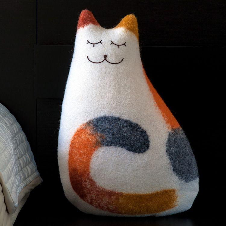 подушка подарок войлок интерьер спальня войлочная мягкий трехцветная кошка кот