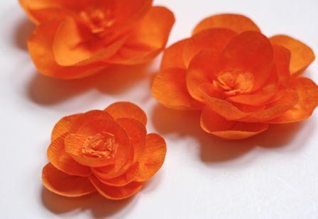 Цветы из гофрированной бумаги своими руками 19