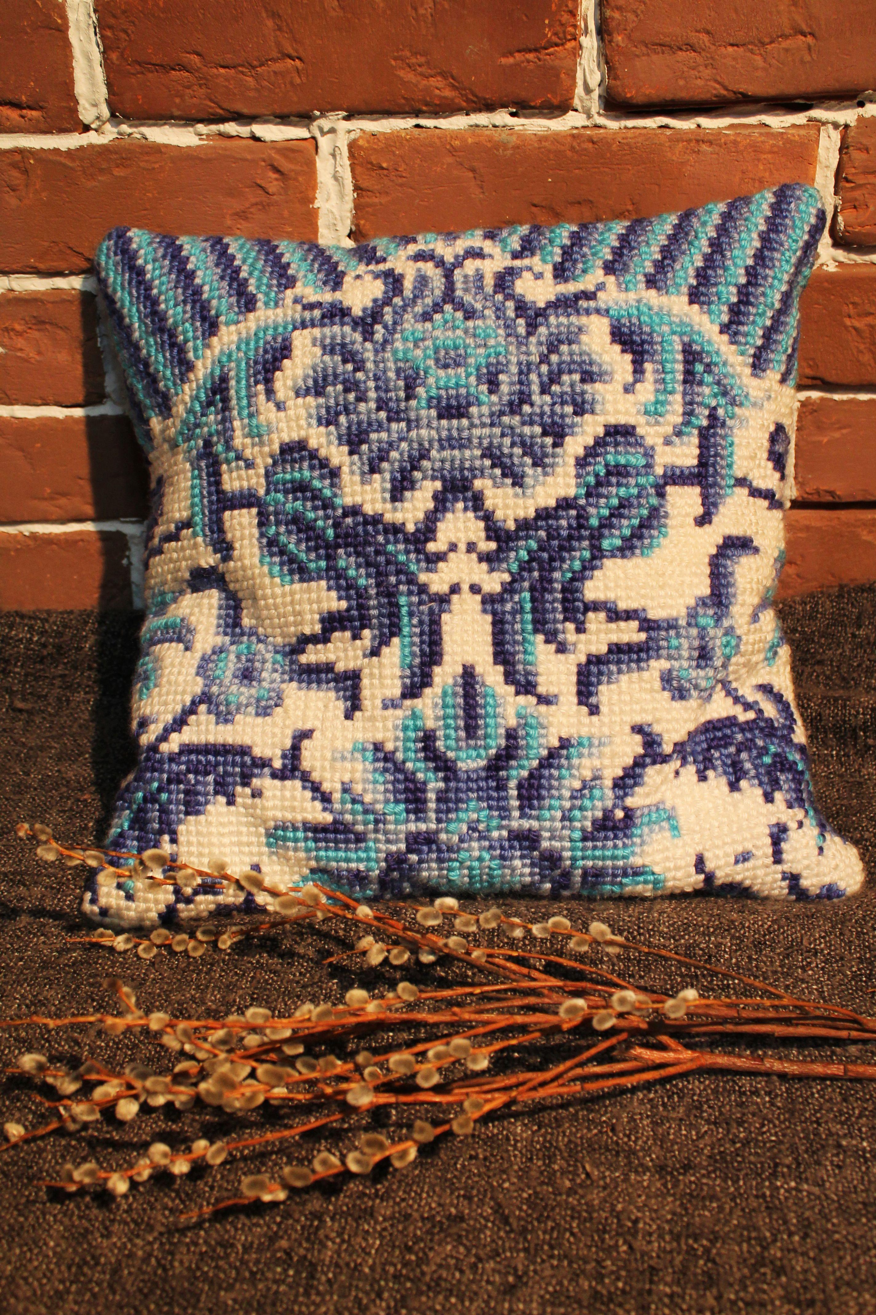 подушка подарок вышивка