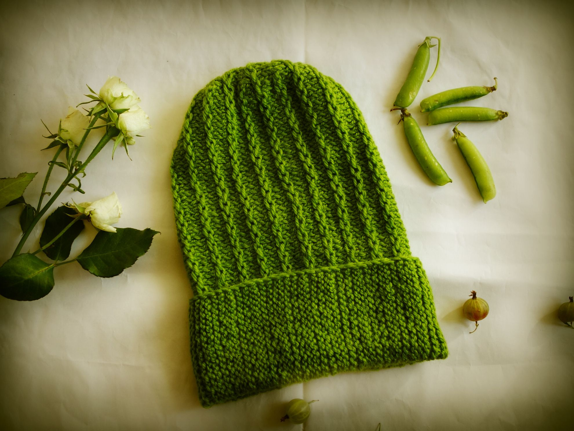 шапкабини моднаяшапка аксессуар шапкатыковка зеленаяшапка шапкавязаная вязание подарок ручнаяработа