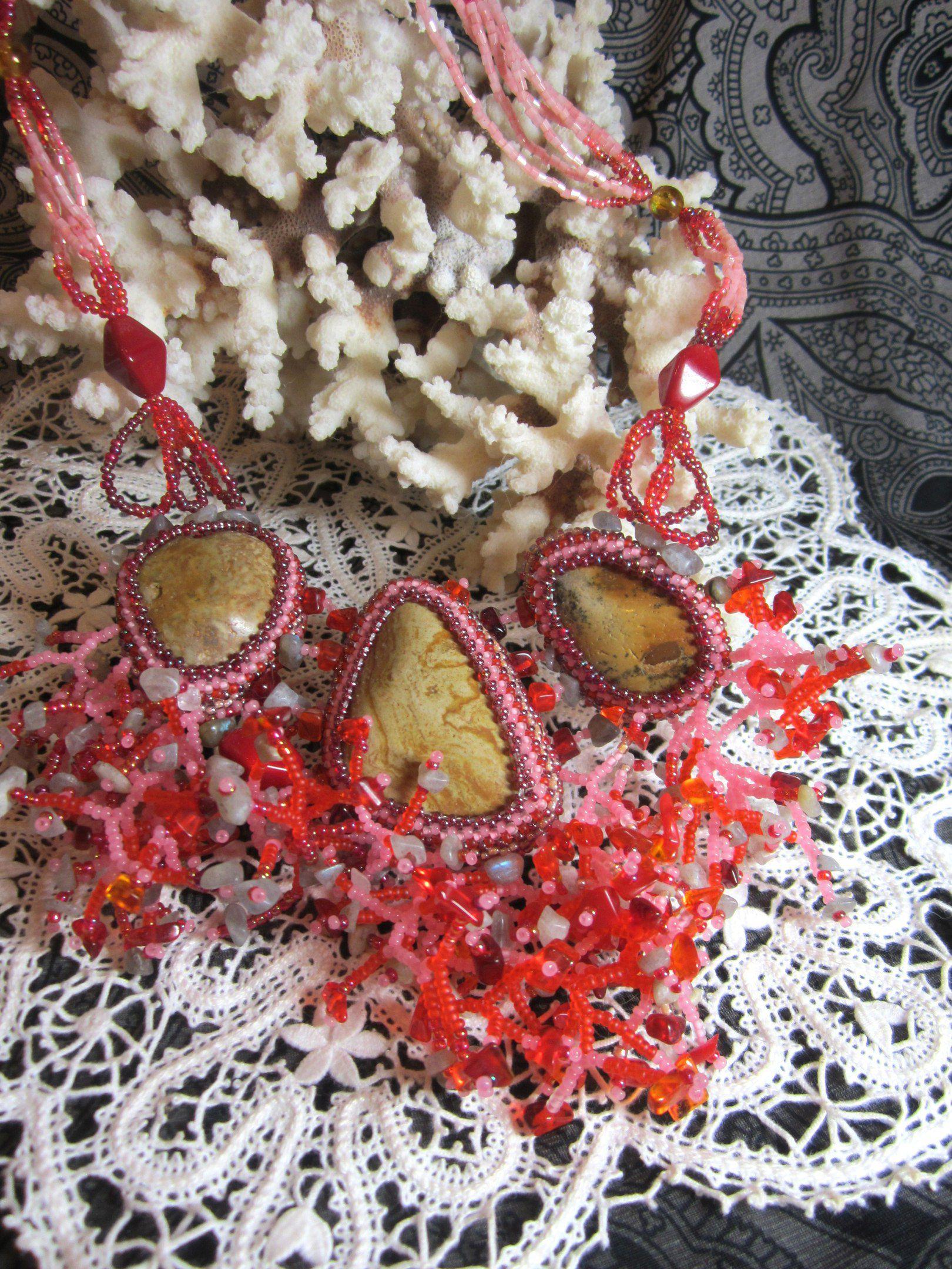 ожерелье ручнаяработа коралл россыпьсердолика морскаягалька авторскоеожерелье