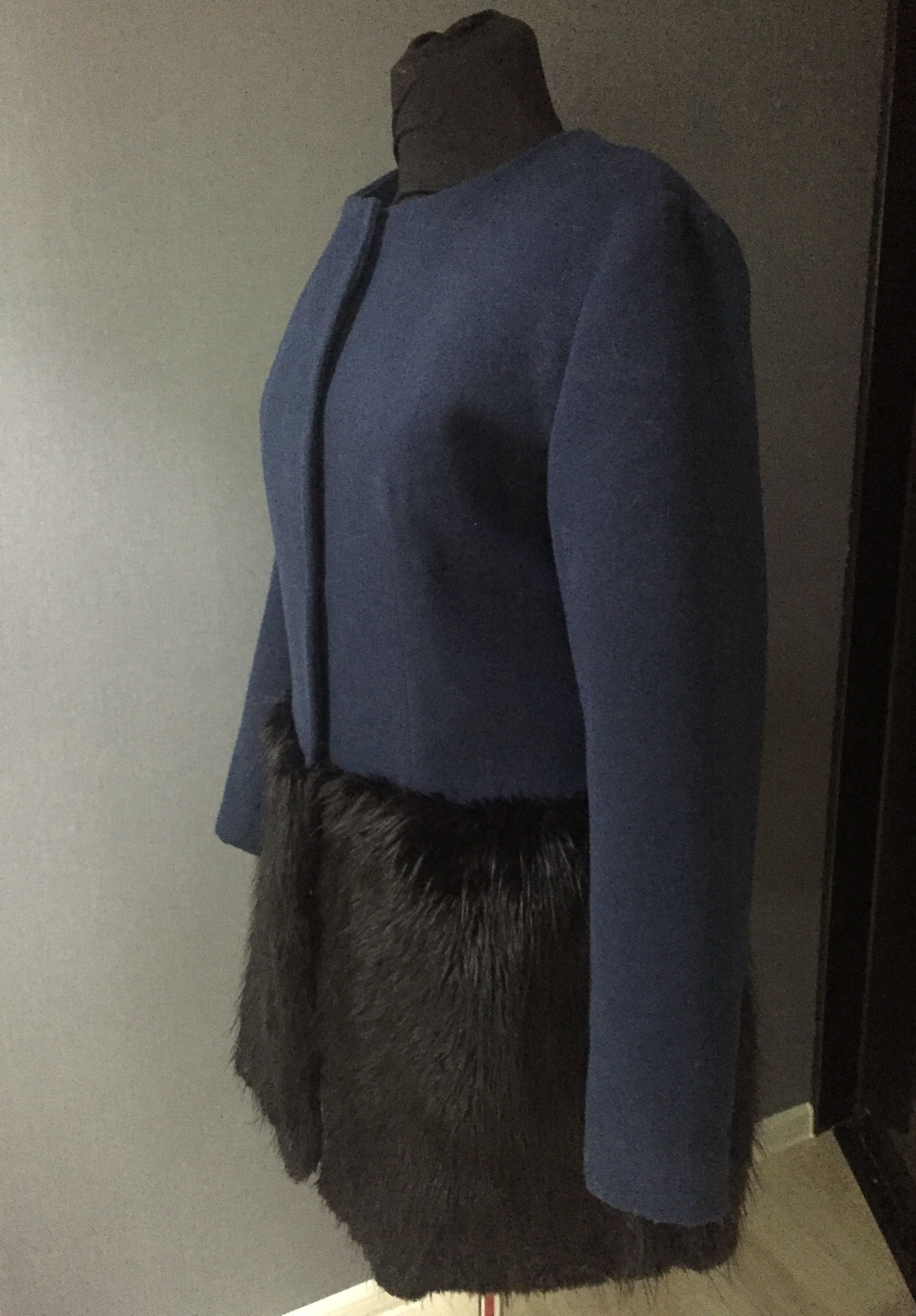 драп пальто девушка мех тепло синий весна очень
