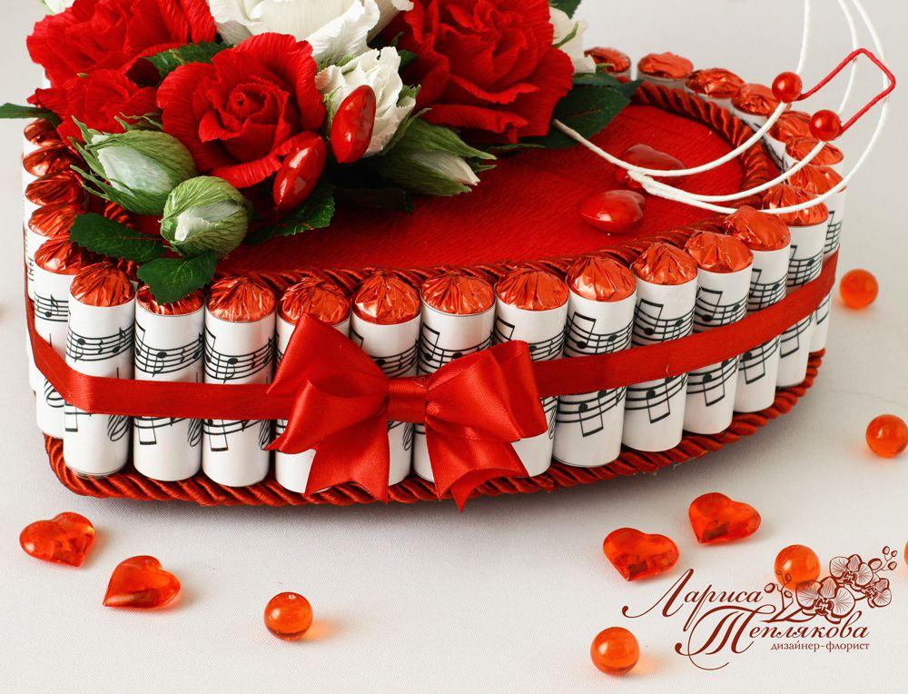 конфетный подарок из конфет букет свитдизайн