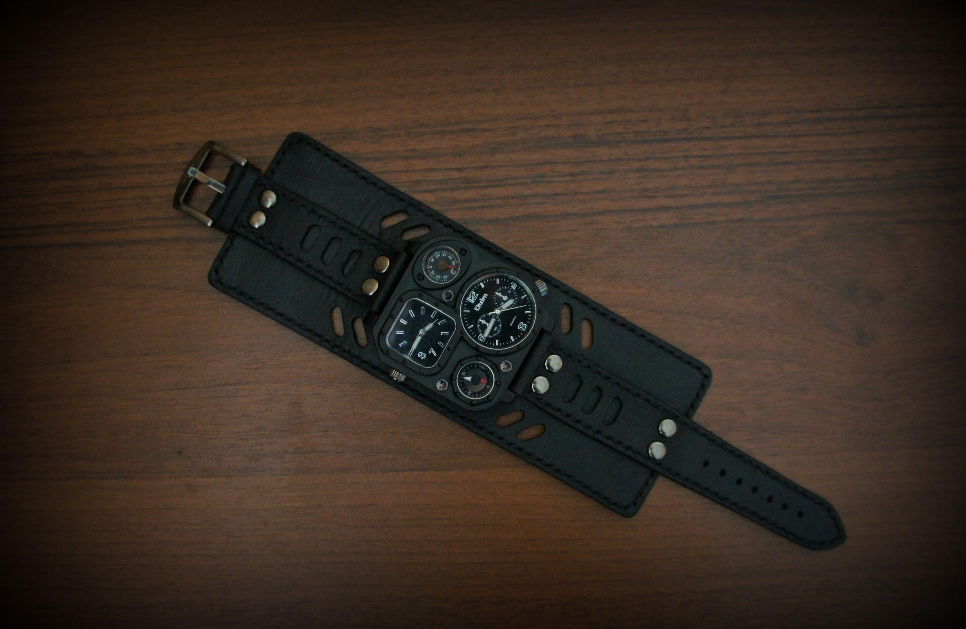 купитьвмоскве часымужские браслетизкожи часынаширокомремешке часынаручныекупить часынаручные подарокмужчине часынаширокомбраслете часы кожа москва натуральнаякожа подарок