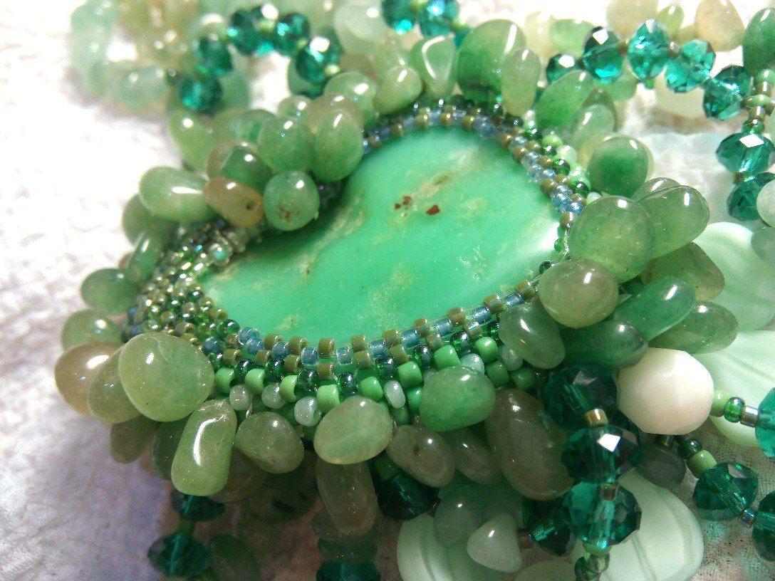 хризопраз украшениеизхризопраза ожерельеизхризопраза ожерельевиноград ручнаяработа