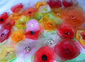 Цветы из органзы своими руками 9