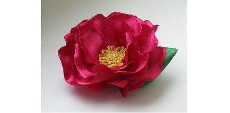 Цветы из атласных лент своими руками 4
