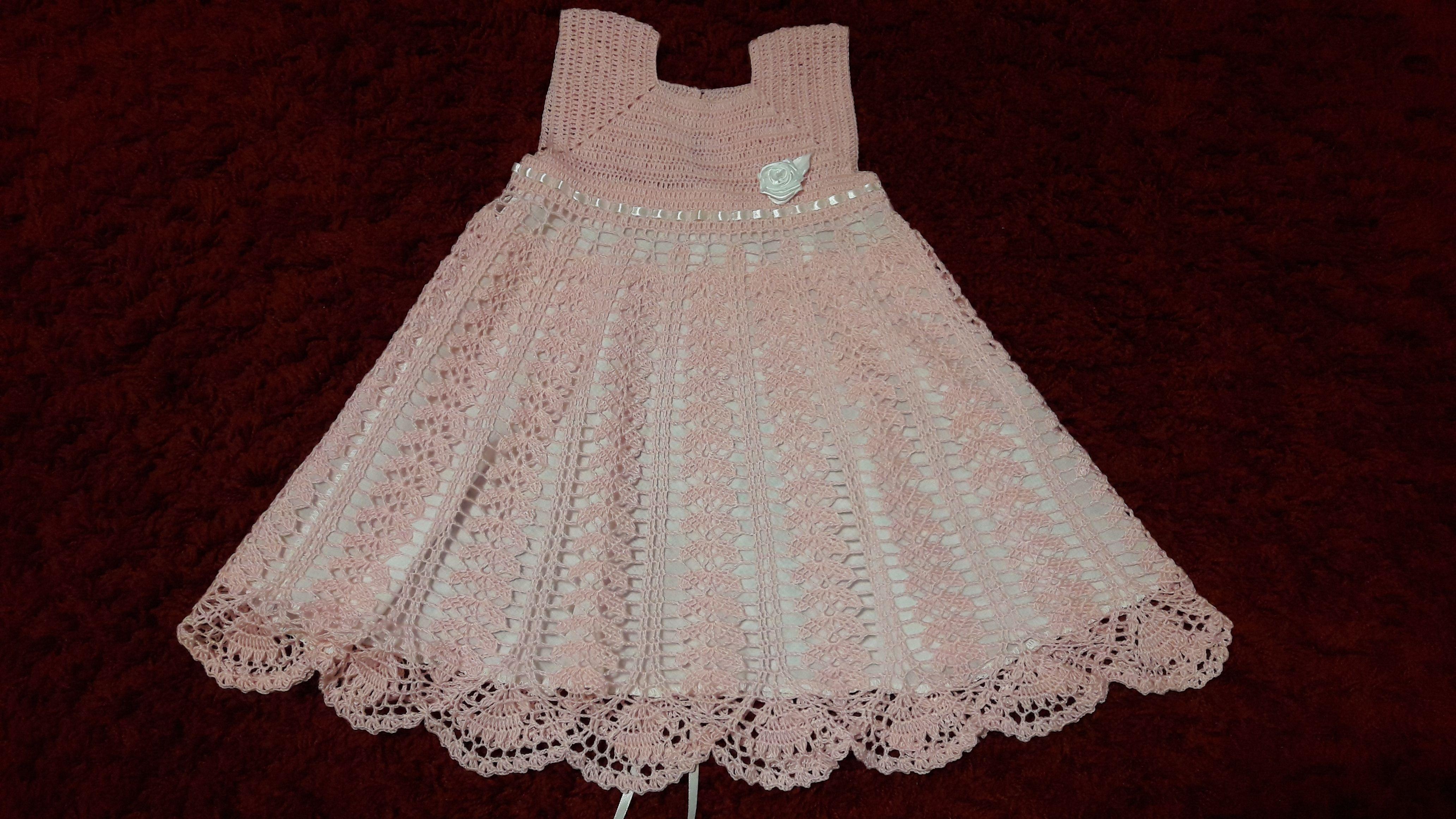 крючком нарядное красивое платье для девочки розовое года