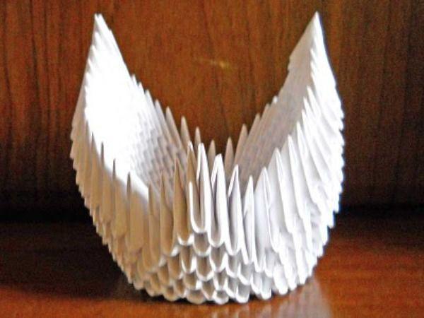 Оригами из бумаги: лебедь 15