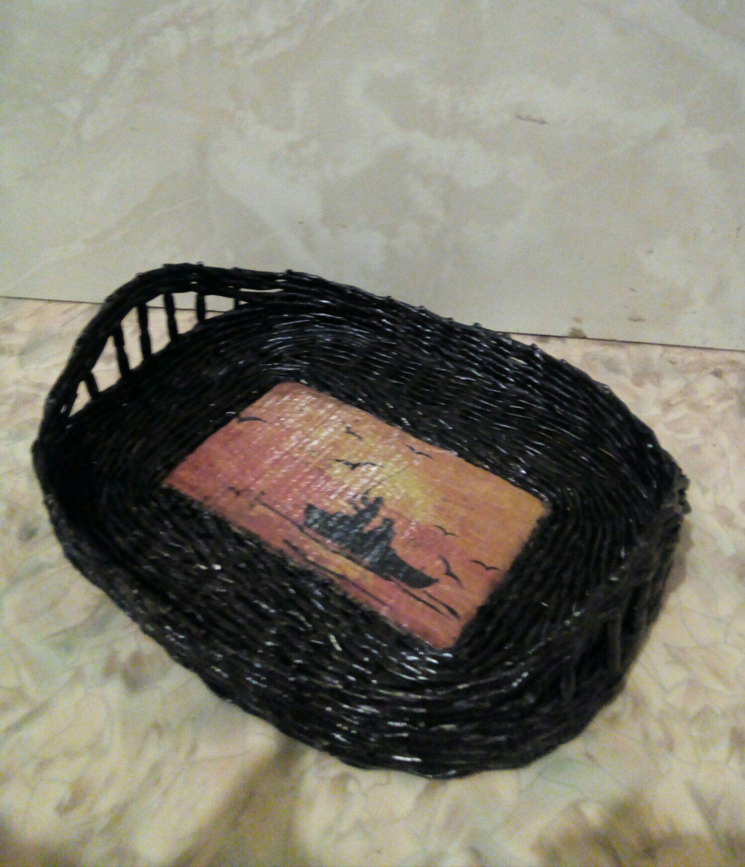 плетение трубочки поднос корзинка