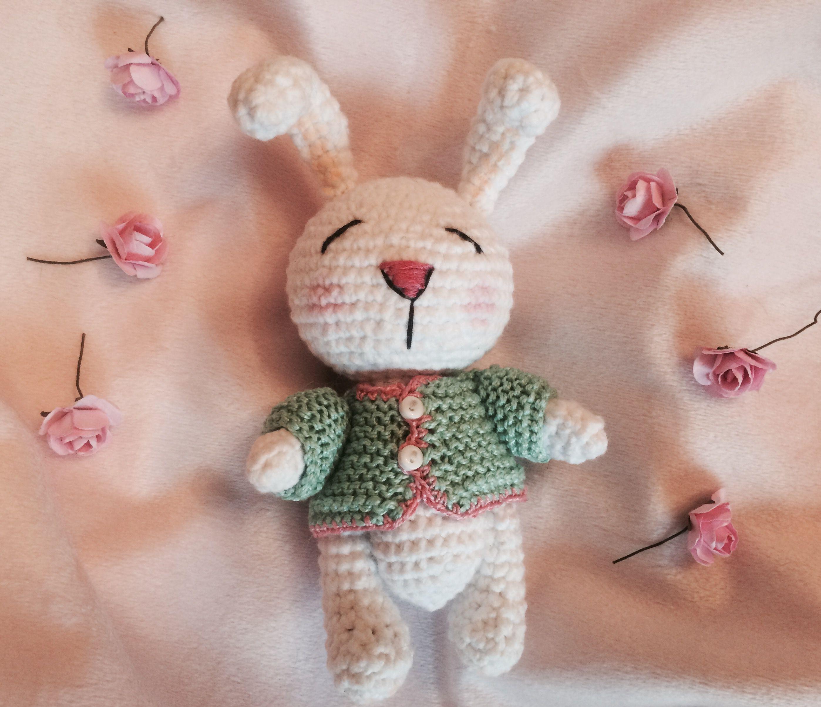 сплюшка амигуруми вязаная игрушка зайка