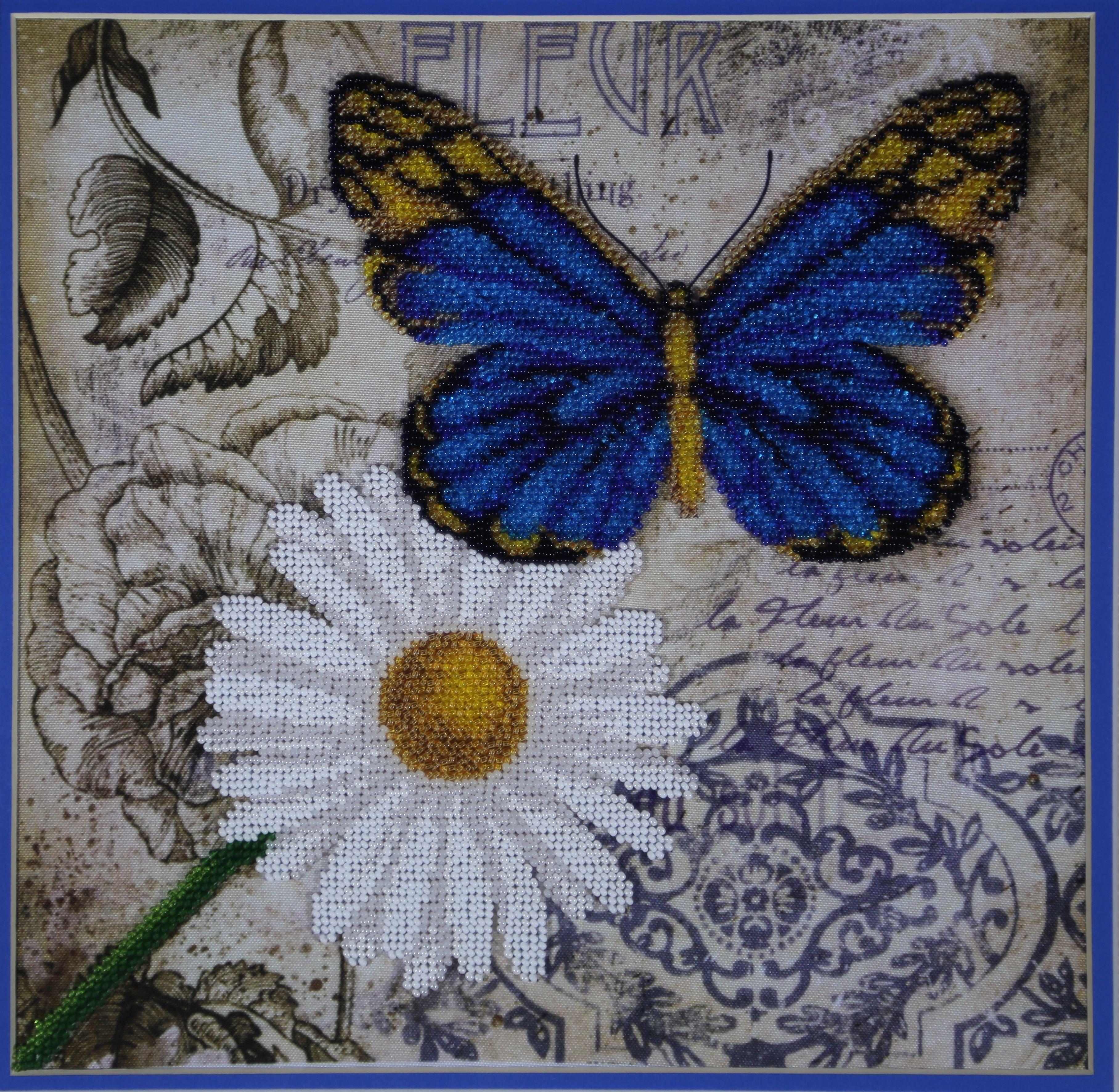 бисеромвышивкавышивка бисеромбабочкасиняя бабочкаромашкаручная работаготовая работаоберег картинакартина