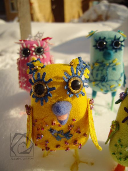 розовый зеленый игрушка желтый сухоеваляние голубой птица веселая воробей счастливая шерсть птичка бисер