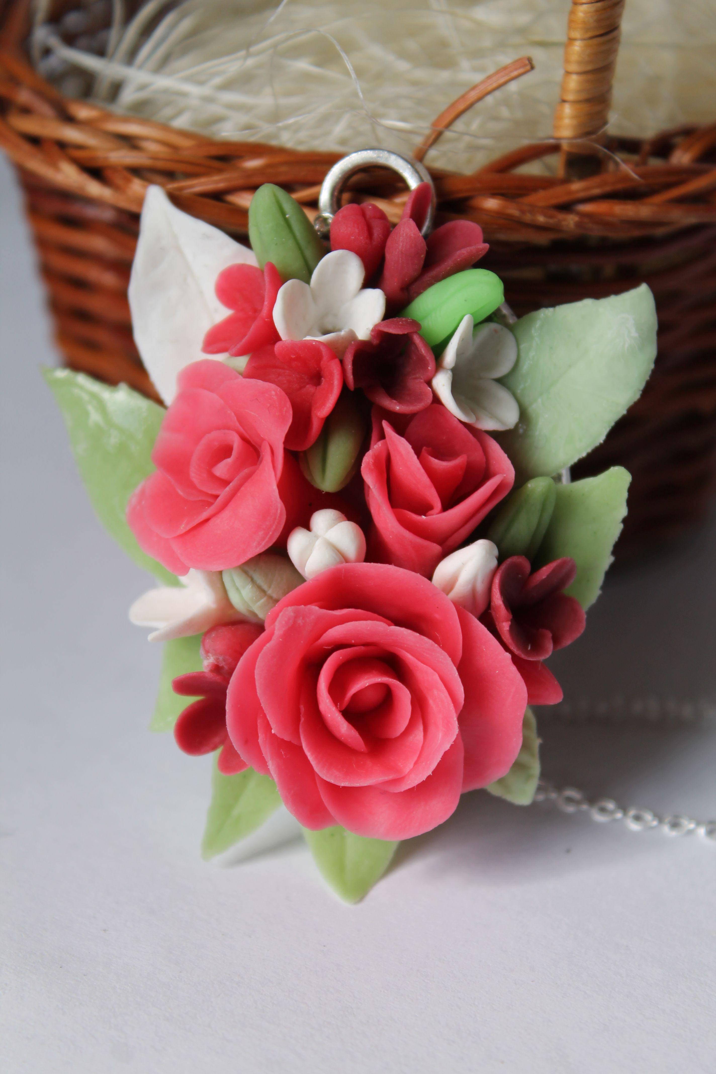 глина подвеска полимерная розы