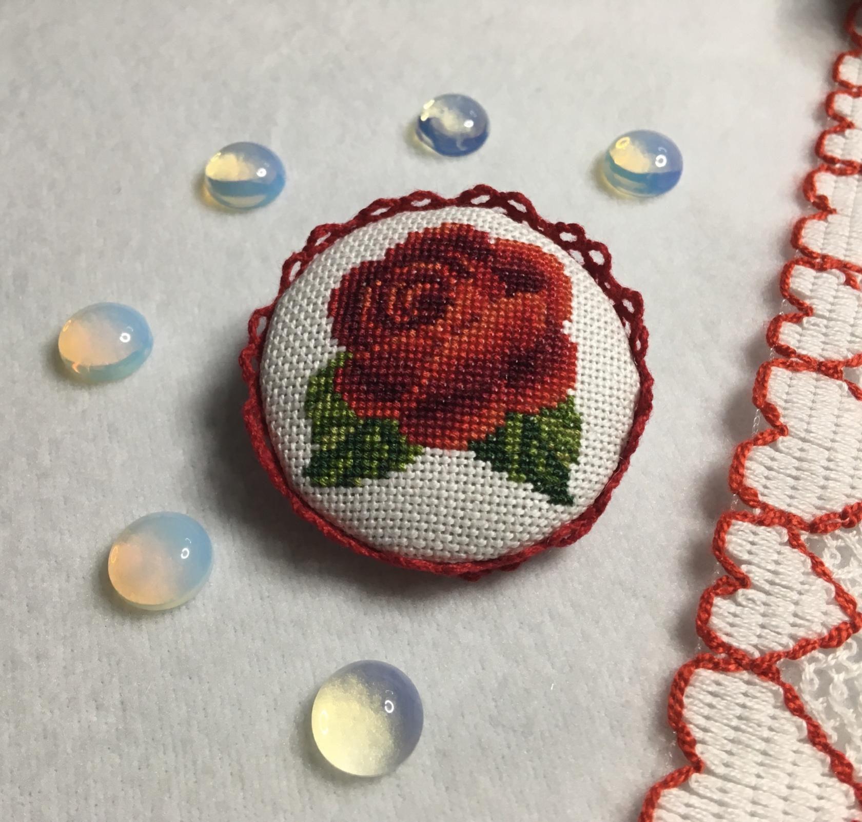 подарок брошь украшение вышивка роза